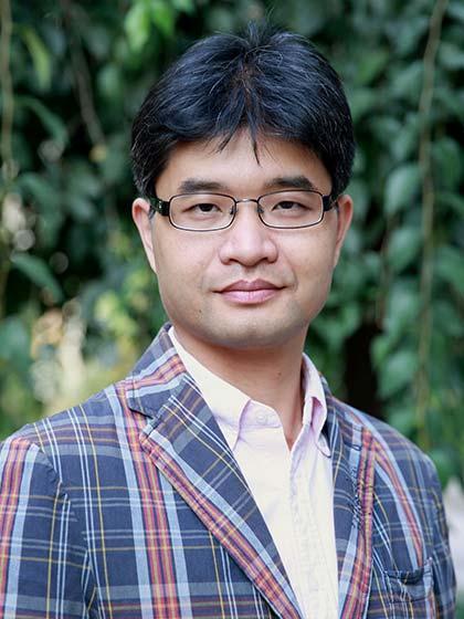 Photo of Jian Yang
