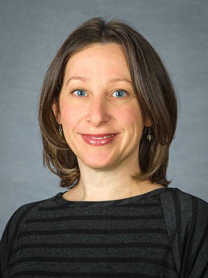 Photo of Laura Lhotka